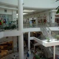 Foto tomada en Galerías Acapulco por Wen el 4/6/2012