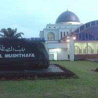 Photo taken at Masjid Baitul Musthafa by Arif B. on 4/21/2012