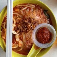 Photo taken at Restoran Yong Len by Mei W. on 4/8/2012
