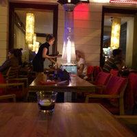 Снимок сделан в Oto Sushi пользователем Piotr S. 8/26/2012