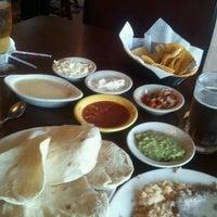 Foto tomada en El Potro por Missy R. el 9/21/2011