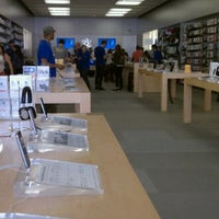 Photo taken at Apple King Street by Ethan M. on 4/19/2011