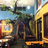 Photo taken at Mellow Mushroom by Kevin S. on 11/29/2011