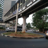Photo taken at Halte TransJakarta Dukuh Atas 2 by Zarp H. on 8/23/2012