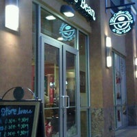 Photo taken at The Coffee Bean & Tea Leaf by Marvin O. on 12/28/2011
