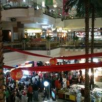 Foto diambil di Plaza Bintaro Jaya oleh Reza I. pada 1/22/2012