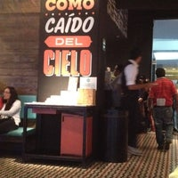 Photo prise au Cielito Querido Café par Julius G. le9/2/2012