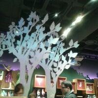 Foto tomada en Disney Store por Raul S. el 1/14/2012