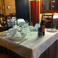 Foto tomada en Restaurante Cueva Reina por Oliver G. el 3/26/2011
