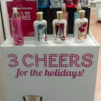 Photo taken at Bath & Body Works by Yesenia M. on 12/12/2011