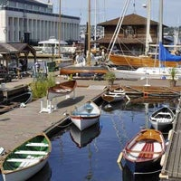 Foto scattata a Center for Wooden Boats da Carla J. il 6/6/2012