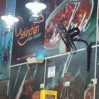 Photo taken at Restoran Sekinchan Bakar Shah Alam by Mohd Kharul Nizam R. on 3/11/2012