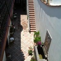 Foto tomada en El Serafin Hotel Boutique por Alan G. el 5/6/2012