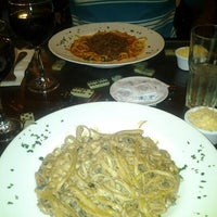 Photo taken at Filet & Folhas by Grazielly C. on 5/11/2012