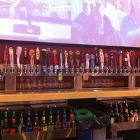 Foto diambil di Buffalo Wild Wings oleh Ryan E. pada 7/13/2012