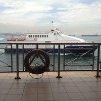 Foto scattata a Pulau Bukom Ferry Jetty da Russel A. il 5/31/2012