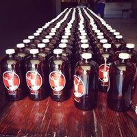 รูปภาพถ่ายที่ TRVE Brewing Co. โดย Sean B. เมื่อ 6/9/2012