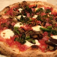 Photo taken at 800 Degrees Neapolitan Pizzeria by Helen on 9/6/2012