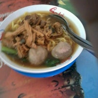 Photo taken at Bakso Mas Yanto by Siti K. on 7/1/2012