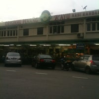 Photo taken at Original Penang Kayu Nasi Kandar by Fred K. on 3/17/2012