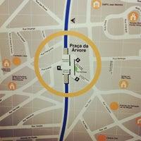 Foto tirada no(a) Estação Praça da Árvore (Metrô) por Fabio Y. em 4/18/2012