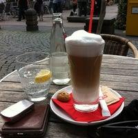 Das Foto wurde bei Café Bar Pudel Lounge von Markus K. am 7/18/2012 aufgenommen