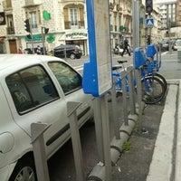 Photo taken at Vélo Bleu (Station No. 31) by Iarla B. on 4/3/2012