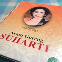Photo taken at Ayam Goreng Suharti by pandam on 3/25/2012