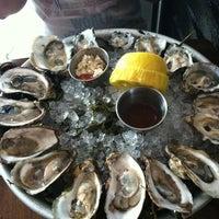 รูปภาพถ่ายที่ The Mermaid Inn โดย Angela C. เมื่อ 7/6/2012