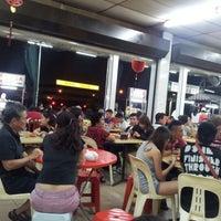 Photo taken at Restoran Ahwa 新青山亚华福建面 by Sit M. on 8/20/2012