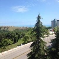 Photo taken at OMÜ Diş Hekimliği Fakültesi by Seda Y. on 6/9/2012