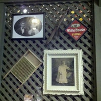 Photo taken at Cracker Barrel Old Country Store by Tammy K. on 2/26/2012