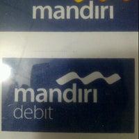 Photo taken at Bank Mandiri Bontang Ahmad Yani by KangmasJokoErlianto E. on 6/20/2012