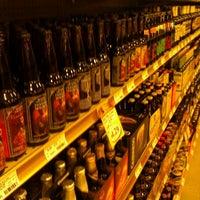 Снимок сделан в Binny's Beverage Depot пользователем katie m. 2/19/2012