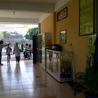 Photo taken at SMP Negeri 39 Surabaya by Nur R. on 5/17/2012