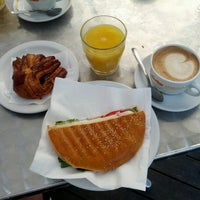 Foto scattata a Caffè Michelangelo da Adam B. il 7/1/2012
