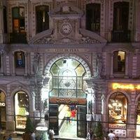 9/13/2012 tarihinde Gaye G.ziyaretçi tarafından Neoclassic'de çekilen fotoğraf