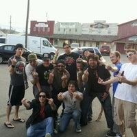 Foto scattata a Bruiser's Nite Club da Patrick J. il 4/15/2012