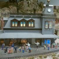 Снимок сделан в San Diego Model Railroad Museum пользователем Ken W. 1/22/2011