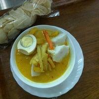 Photo taken at SOKA Restoran by Yudha P. on 10/11/2011