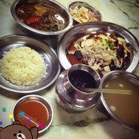 Photo taken at Fatty Loh Chicken Rice (大肥羅雞飯) by Johnson Y. on 7/28/2012