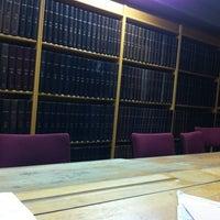 Foto diambil di Biblioteca General oleh Elias A. pada 6/29/2011
