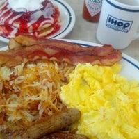 Photo taken at IHOP by Jesus V. on 8/1/2012