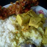 Photo taken at Restoran Selera Elisya by Mabai A. on 9/26/2011