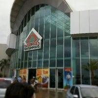 Photo taken at Campinas Shopping by Matheus F. on 11/14/2011