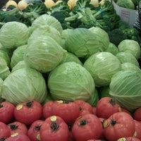 Photo taken at Sprouts Farmers Market by Bernie H. on 1/28/2012