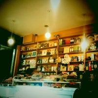 Foto tirada no(a) Maya Café por Cicero R. em 7/31/2011