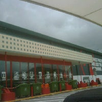 Photo taken at Bunnings Warehouse by  ❤ Pancha H. on 11/2/2011