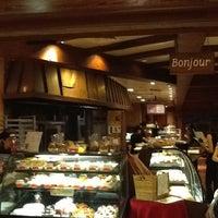 Photo taken at la Madeleine French Bakery & Café Houston Galleria by Estefanía J. on 7/11/2012