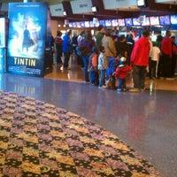 Photo taken at Regal Cinemas Majestic 20 & IMAX by JL J. on 11/25/2011